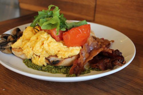breakfast https://pixabay.com/en/users/AlbanyColley-6298107/